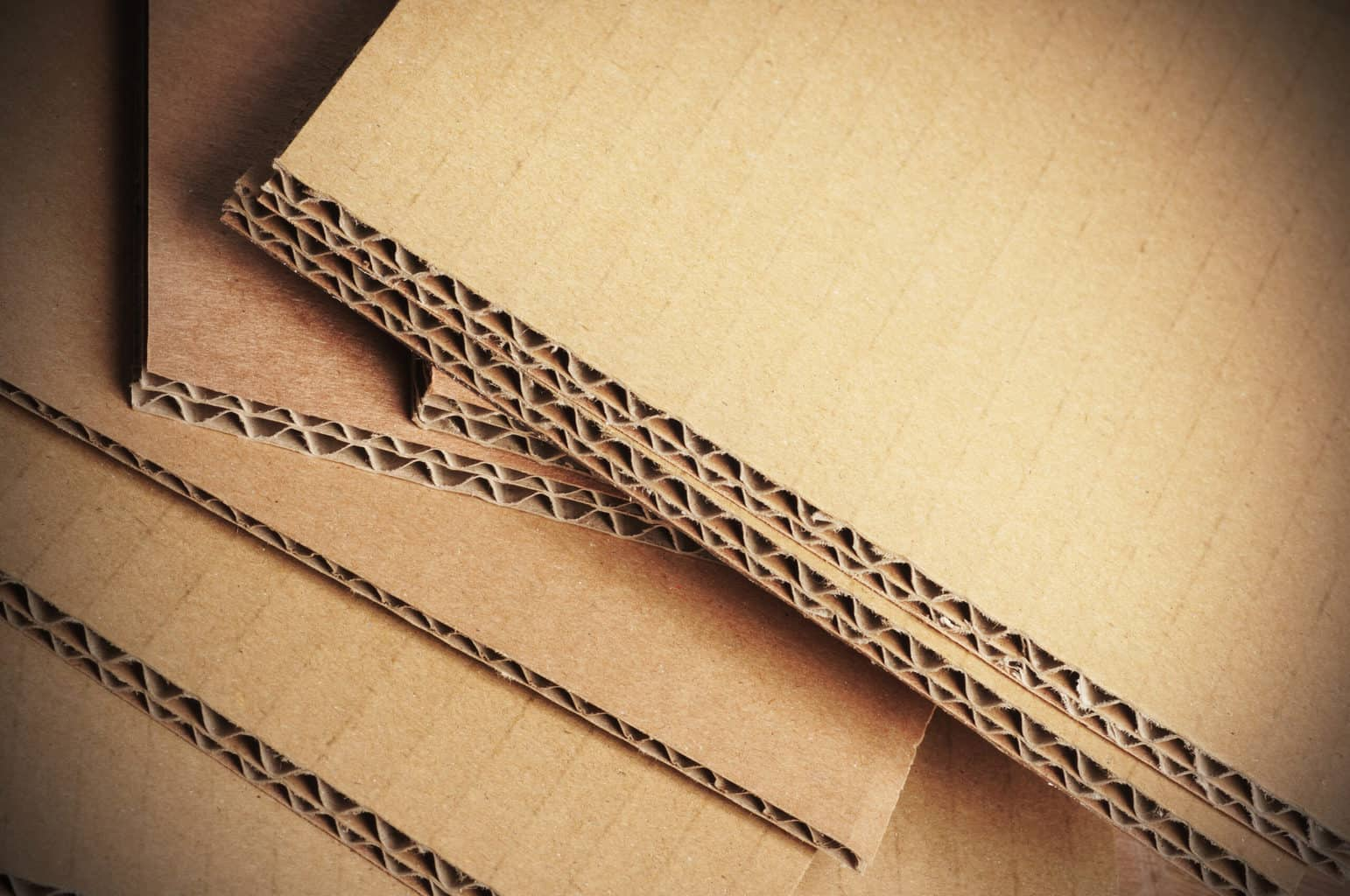 Read more about the article How to Cut Cardboard with a Glowforge