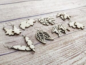 Read more about the article How to Make Laser-Cut Leaf Earrings with SVG Bundle
