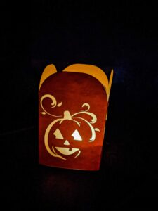 Read more about the article Easy to Make Jack o Lantern Luminary with Free SVG